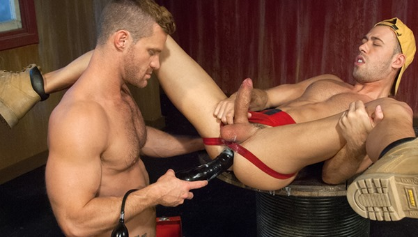 club-inferno-dungeon-guy-fucked-with-huge-dildo